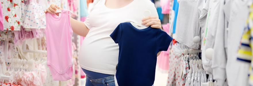 Vêtements pour enfant et accessoires de puériculture